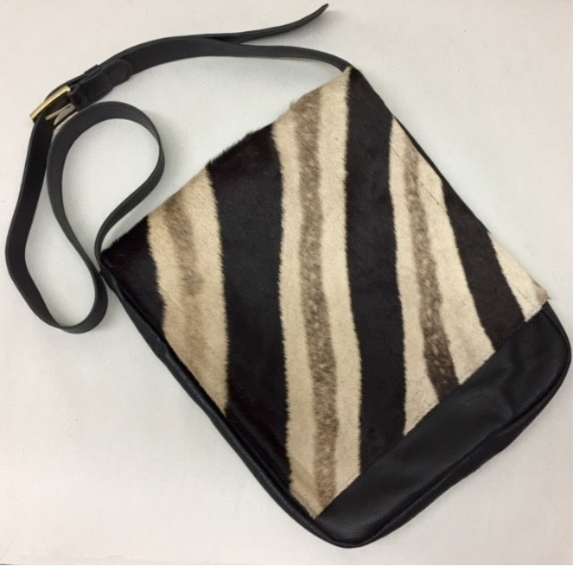 Handbags, Purses & Totes