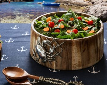 Crab in Net salad bowl in use
