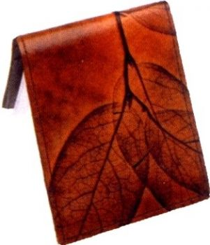 Men's Bi Fold Wallet by Leaf Leather